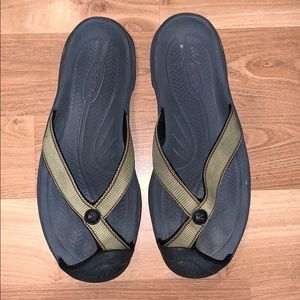 Keen sandals/flip-flops tan/gray size 9.5